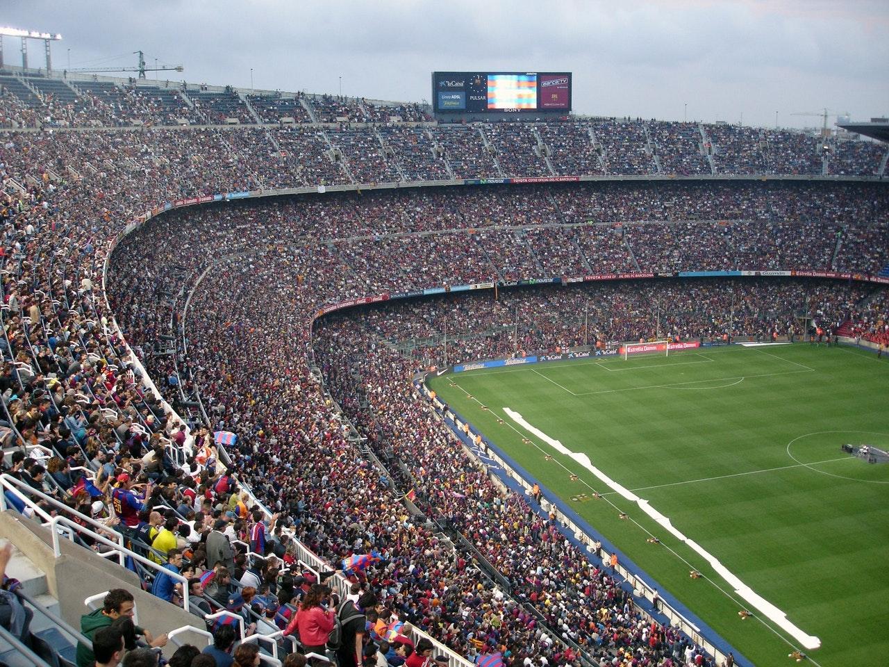 athletes-audience-ball-bleachers-270085